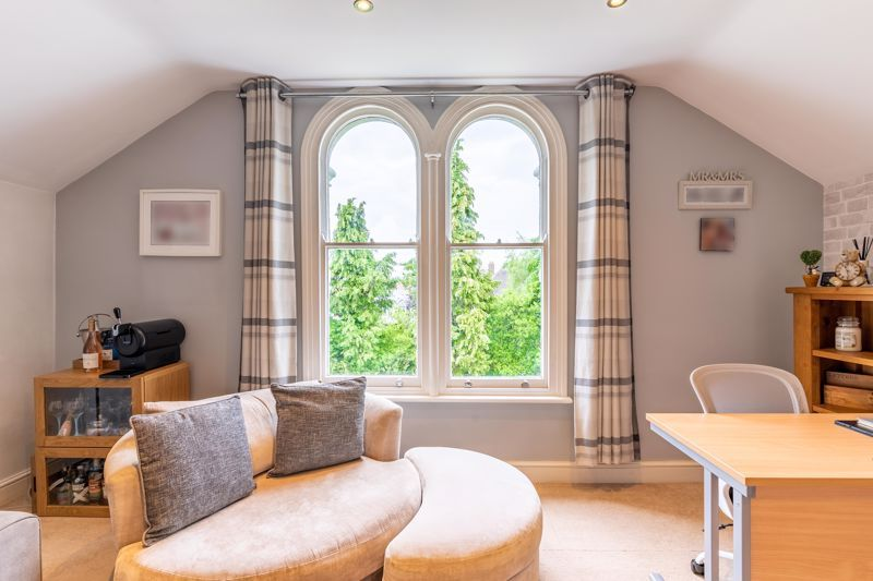 3 bed flat for sale in 262 Hagley Road 2