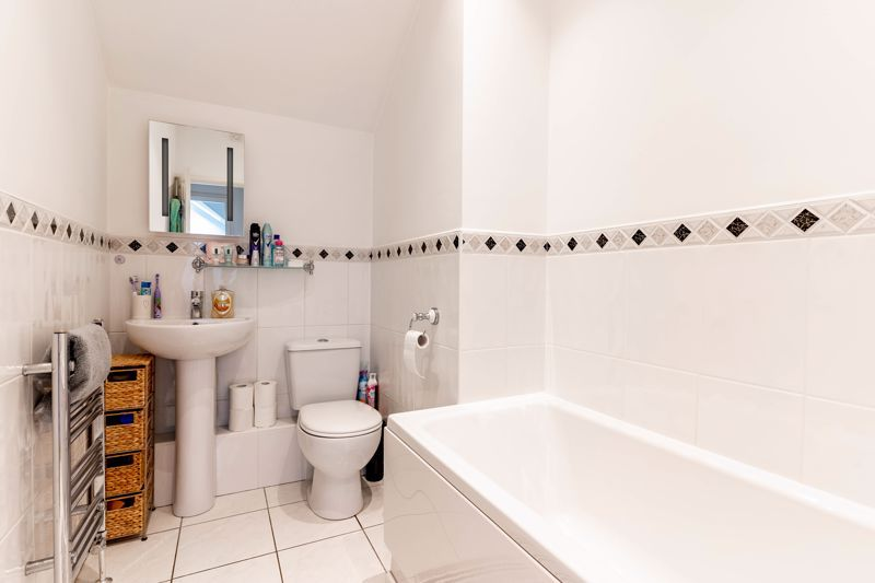 3 bed flat for sale in 262 Hagley Road 9