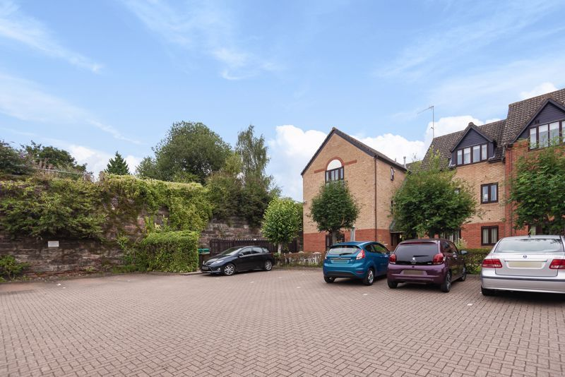 2 bed  for sale in Woodfield Road  - Property Image 11