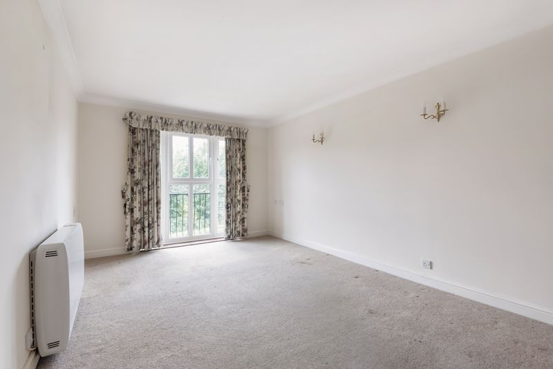 2 bed  for sale in Woodfield Road 3