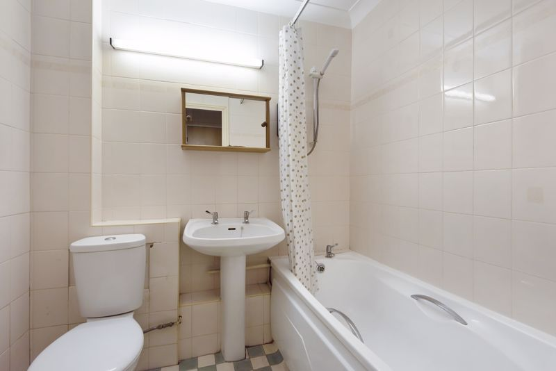 2 bed  for sale in Woodfield Road  - Property Image 8