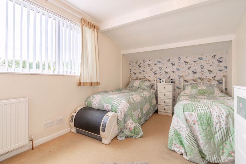 5 bed house for sale in Charlecote Close  - Property Image 11