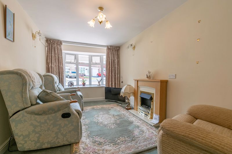 5 bed house for sale in Charlecote Close 15