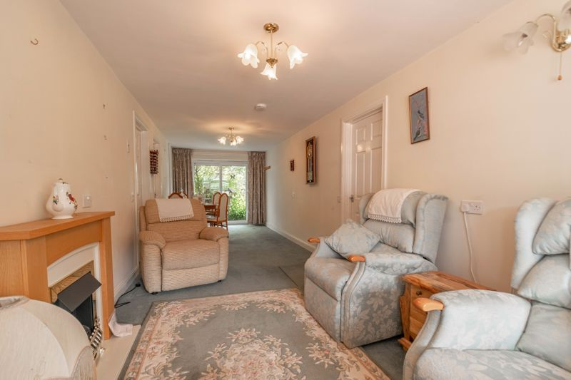 5 bed house for sale in Charlecote Close 16