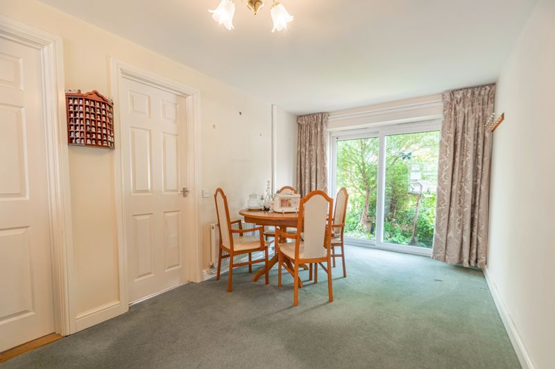 5 bed house for sale in Charlecote Close  - Property Image 17