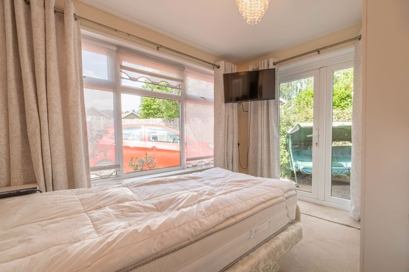 5 bed house for sale in Charlecote Close  - Property Image 18