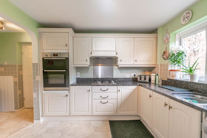 5 bed house for sale in Charlecote Close  - Property Image 4