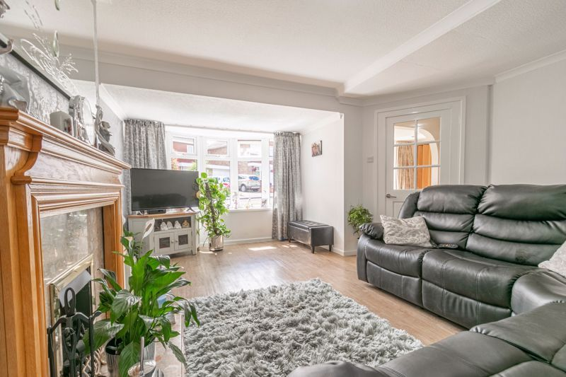 5 bed house for sale in Charlecote Close 5