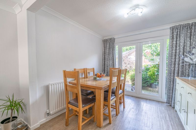 5 bed house for sale in Charlecote Close 7