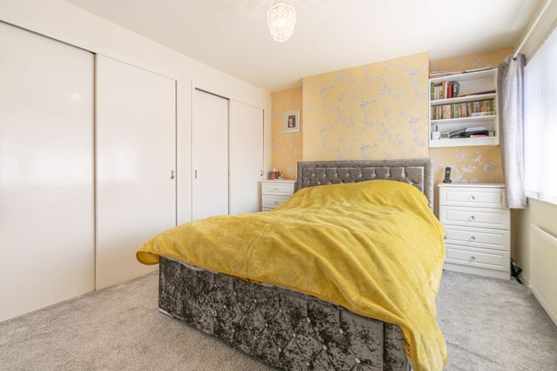 5 bed house for sale in Charlecote Close 8