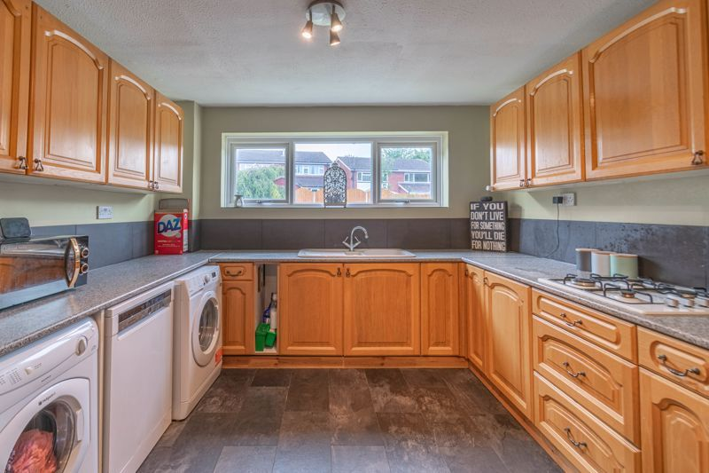 3 bed house for sale in Highland Way 2