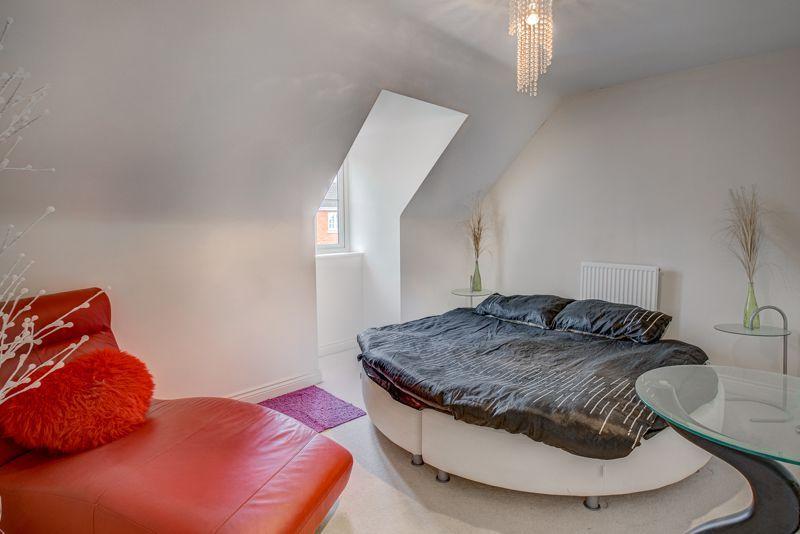 5 bed house for sale in Henzel Croft  - Property Image 11