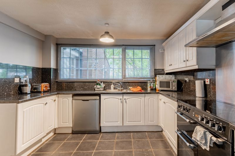 4 bed house for sale in Grizedale Close 4