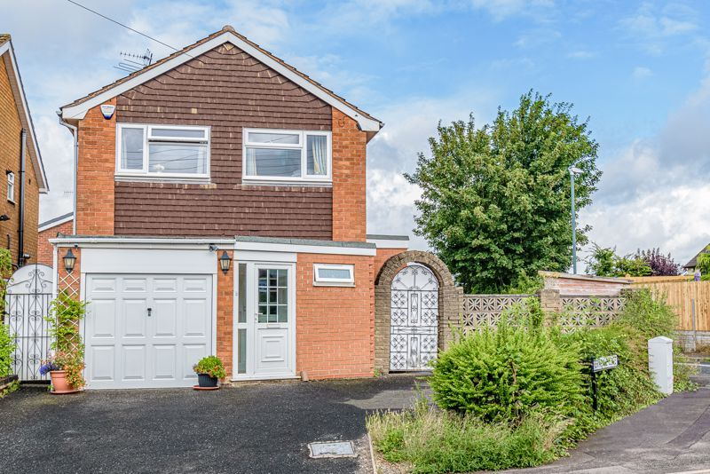 3 bed house for sale in Woodrow Lane 1