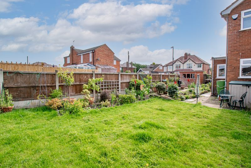 3 bed house for sale in Woodrow Lane 13
