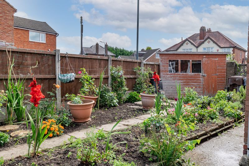 3 bed house for sale in Woodrow Lane 14