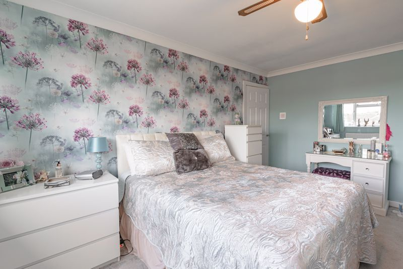 3 bed house for sale in Woodrow Lane 16