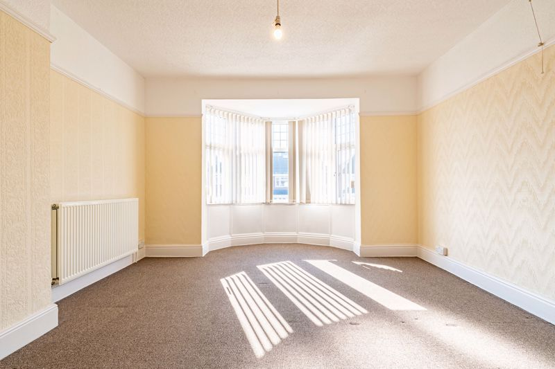 3 bed house for sale in Willow Avenue  - Property Image 11
