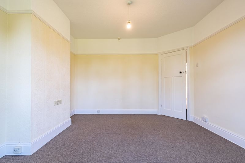3 bed house for sale in Willow Avenue 14