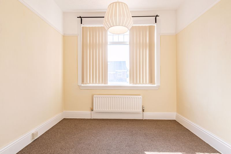 3 bed house for sale in Willow Avenue 15
