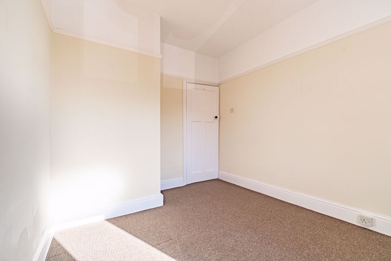 3 bed house for sale in Willow Avenue 16