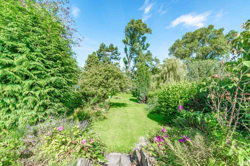 3 bed house for sale in Willow Avenue  - Property Image 18
