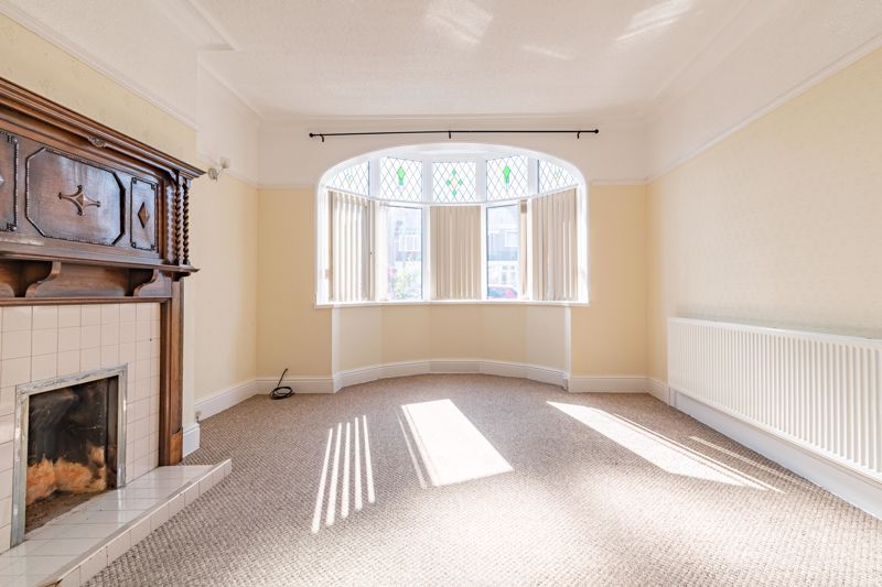 3 bed house for sale in Willow Avenue 4