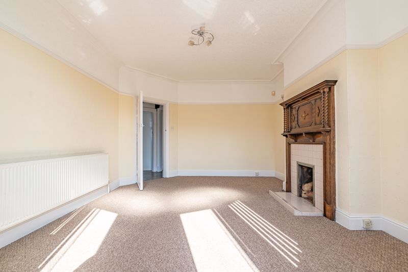 3 bed house for sale in Willow Avenue 5