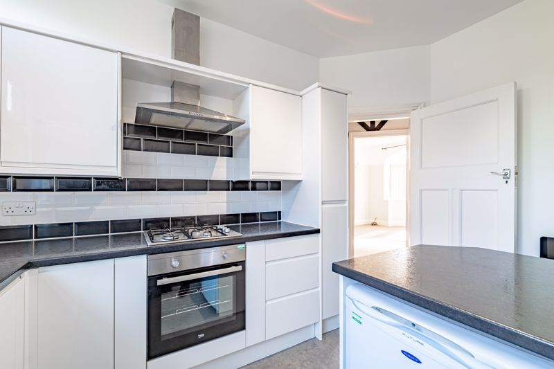 3 bed house for sale in Willow Avenue 9