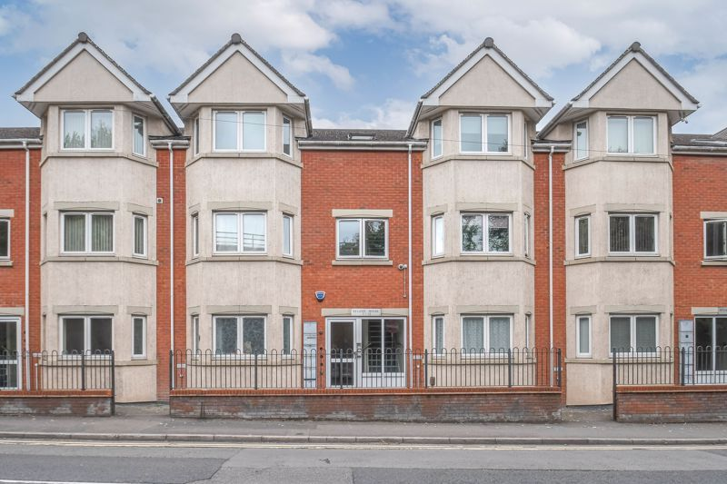 1 bed flat for sale in Hewell Road 1