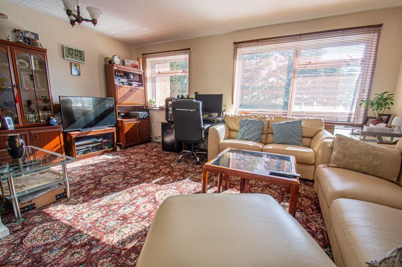 3 bed house for sale in Old Crest Avenue  - Property Image 2