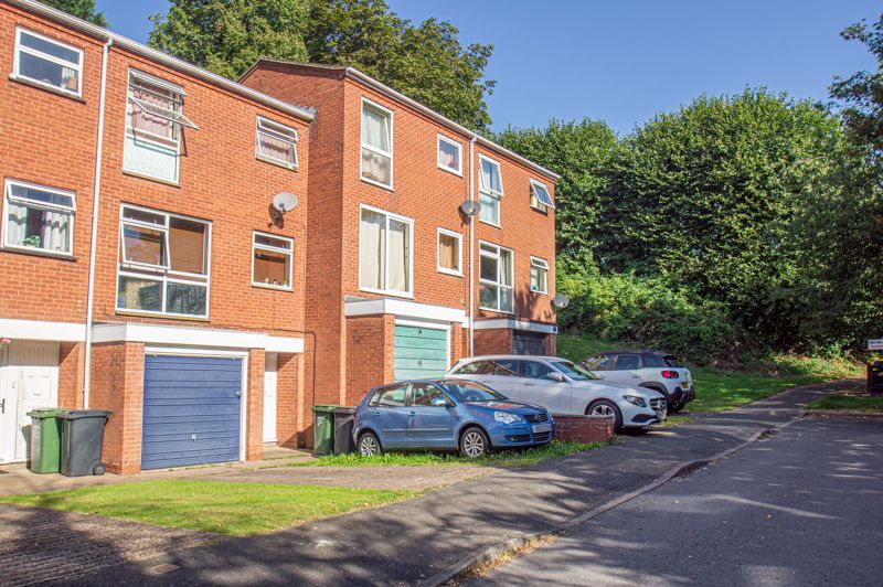 3 bed house for sale in Old Crest Avenue 13