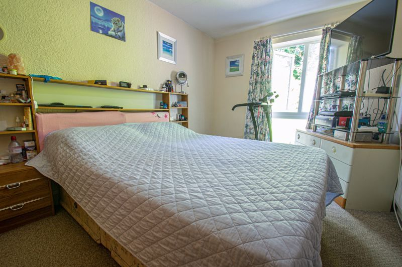 3 bed house for sale in Old Crest Avenue 6