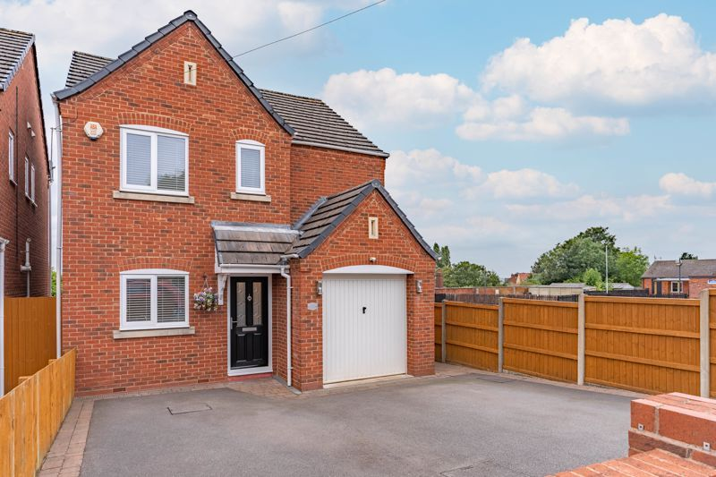 4 bed house for sale in Wynall Lane - Property Image 1
