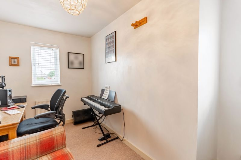 4 bed house for sale in Wynall Lane 12