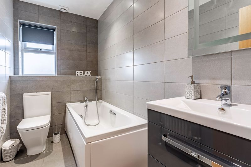 4 bed house for sale in Wynall Lane  - Property Image 13