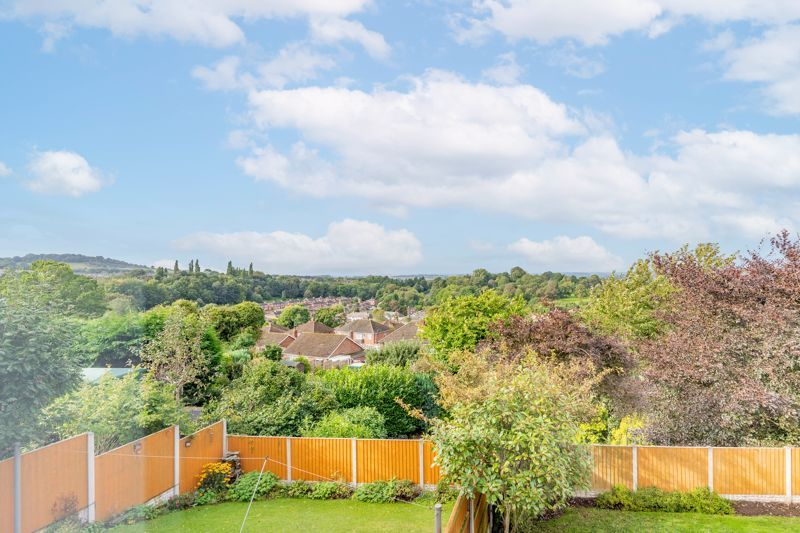 4 bed house for sale in Wynall Lane 15