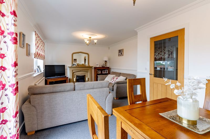 4 bed house for sale in Wynall Lane  - Property Image 3