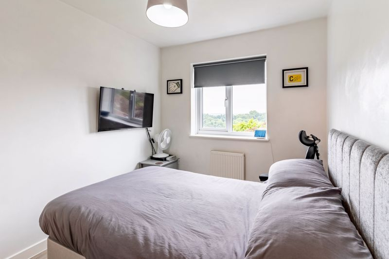 4 bed house for sale in Wynall Lane 10