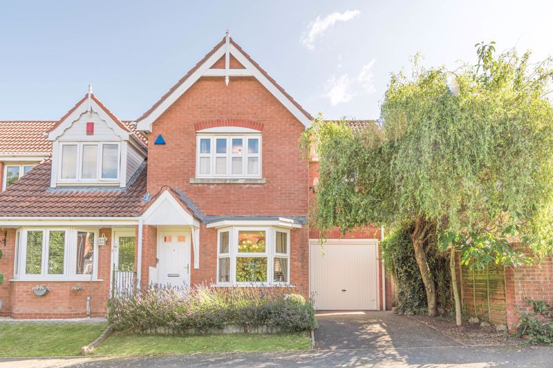 3 bed house for sale in Illey Close 1