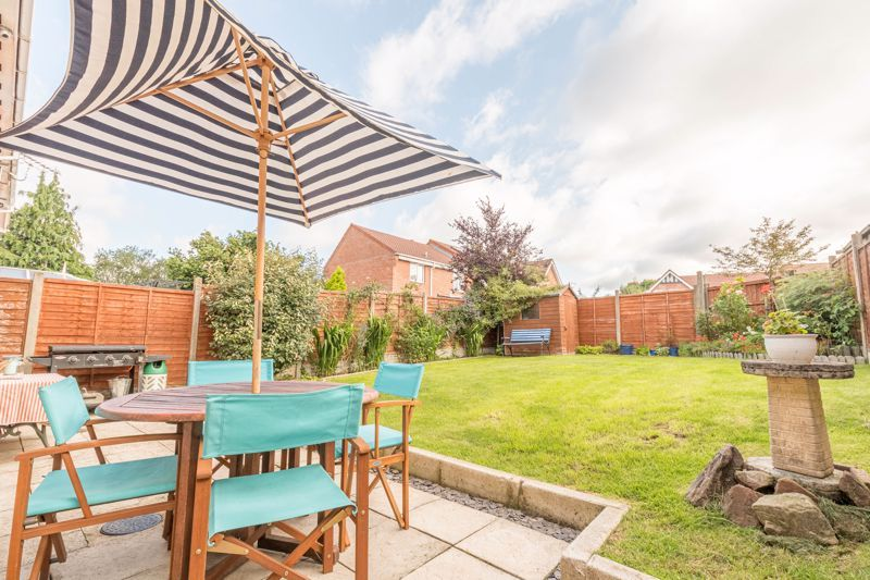 3 bed house for sale in Illey Close 11