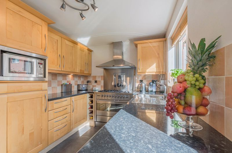 3 bed house for sale in Illey Close 4
