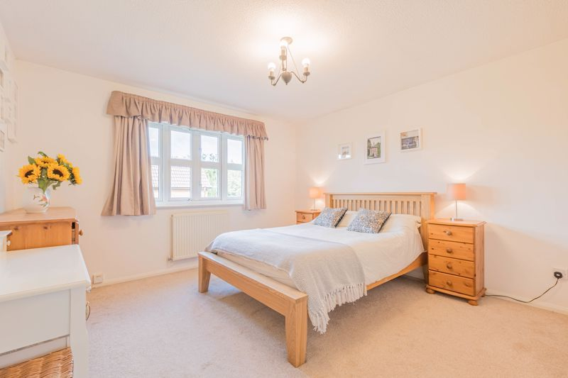 3 bed house for sale in Illey Close 6