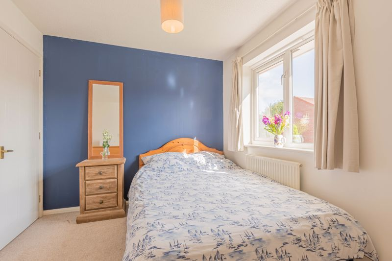 3 bed house for sale in Illey Close 8