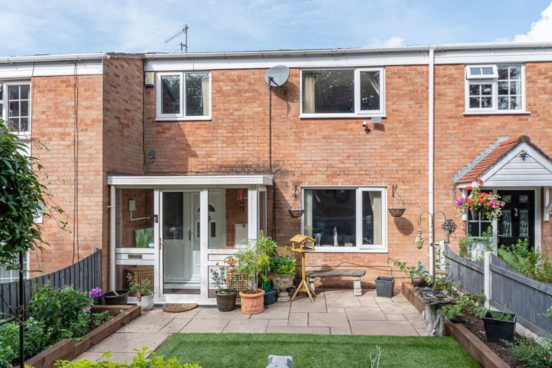 3 bed house for sale in Shelley Close  - Property Image 1