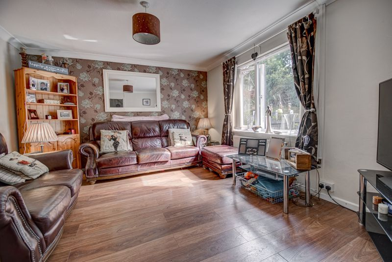 3 bed house for sale in Shelley Close  - Property Image 2