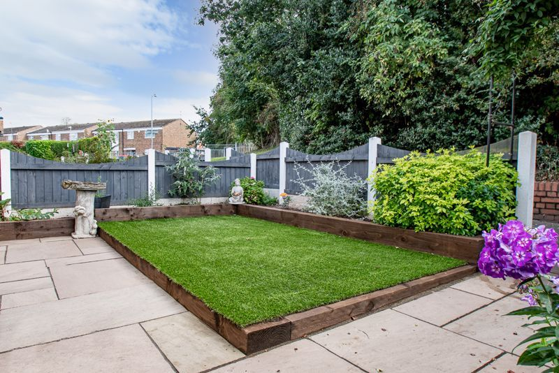 3 bed house for sale in Shelley Close 12