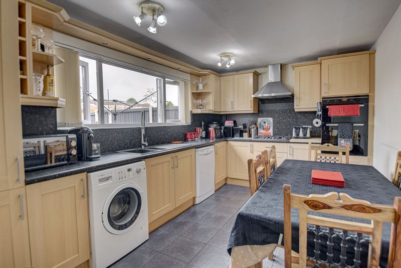 3 bed house for sale in Shelley Close 3