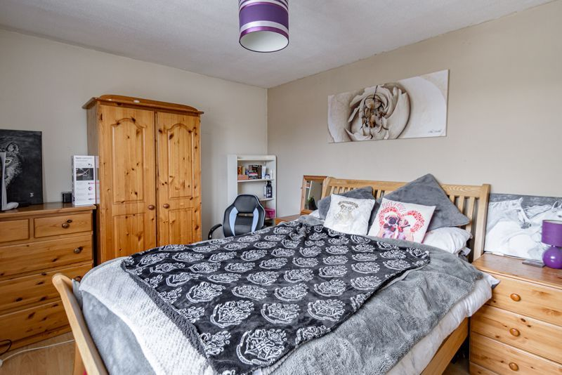 3 bed house for sale in Shelley Close 7