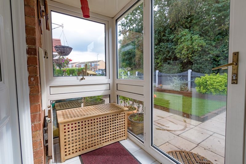 3 bed house for sale in Shelley Close 10